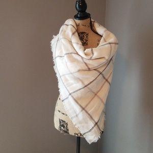 Old navy blanket scarf
